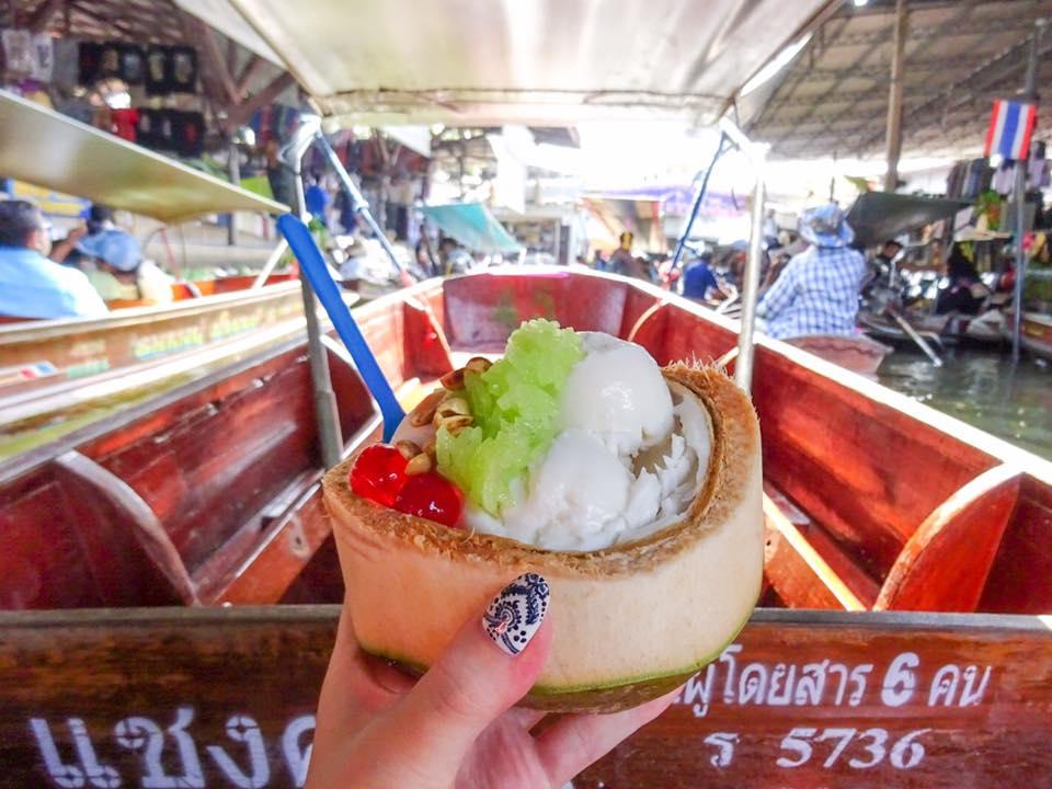 ココナッツアイスはマスト! ダムヌンサドゥアック水上マーケットの風景