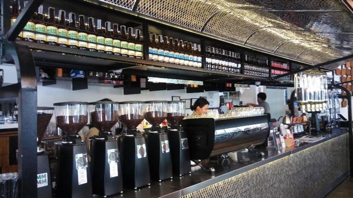 本格コーヒーが味わえる人気のお洒落カフェin バンコク