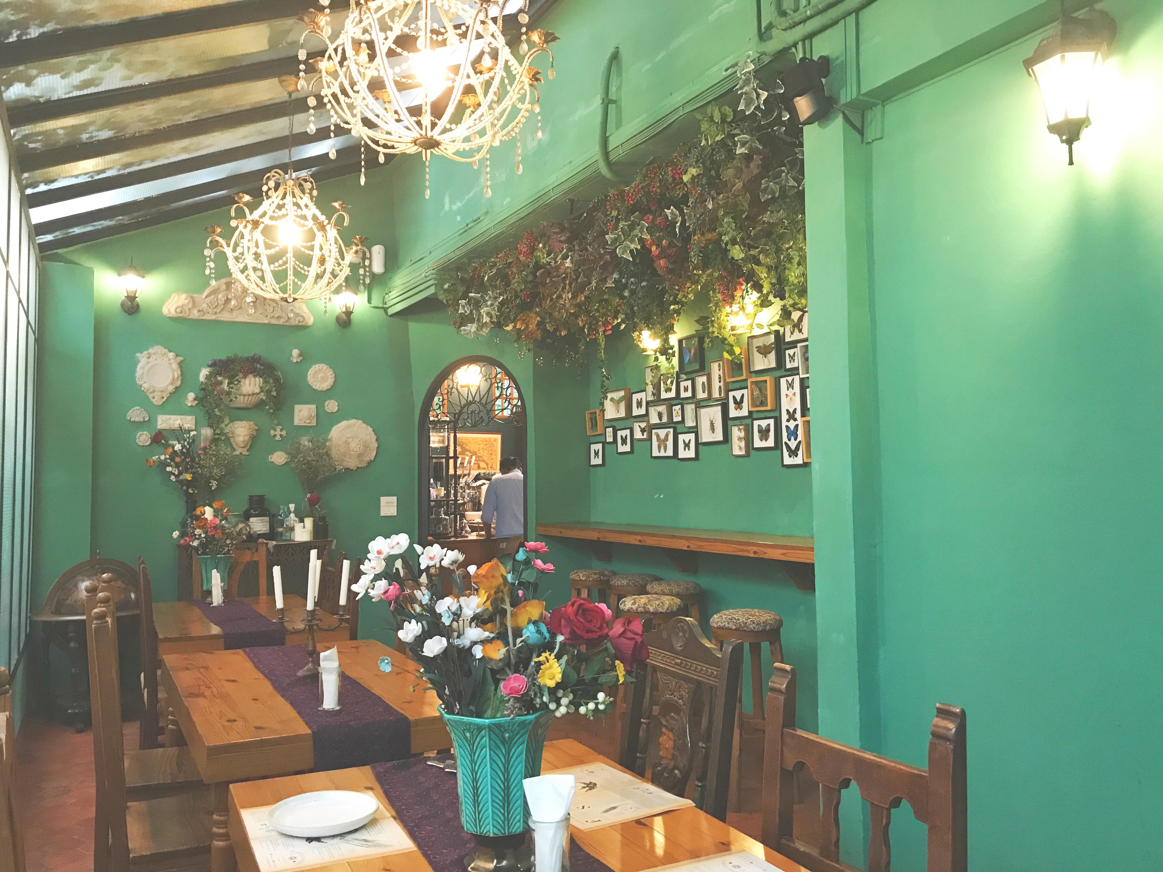 可愛い 、オシャレ、楽しい、美味しい♡『Featherstone Bistro Café』