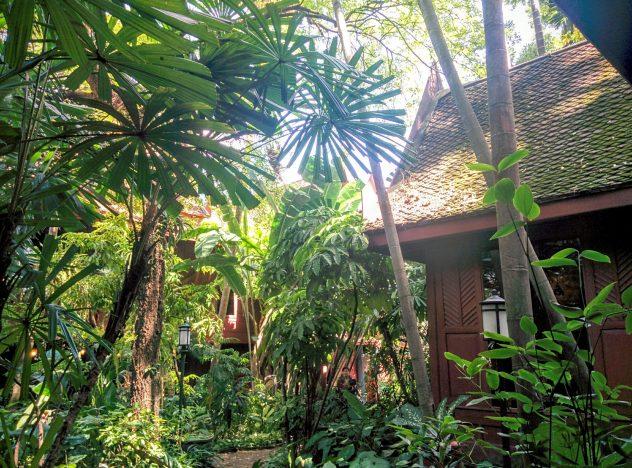 ジムトンプソンの家の庭