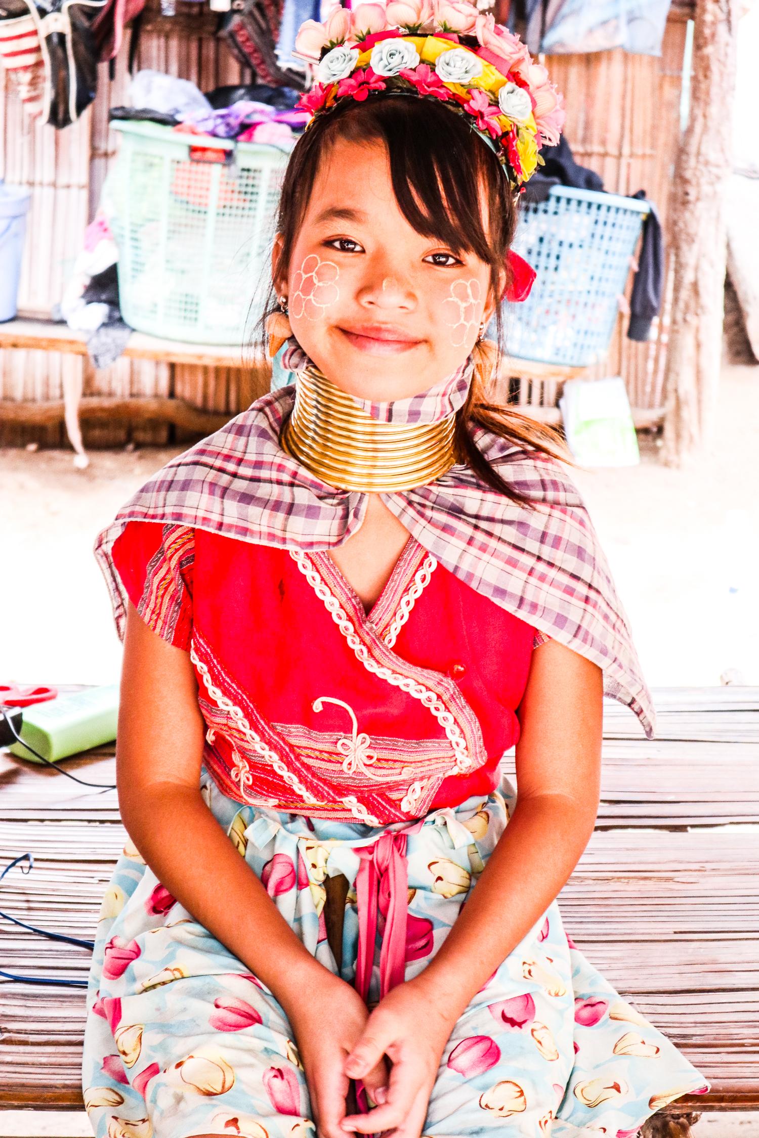 【タイ滞在3日目②】首のなが〜い、カレン族の村へ!
