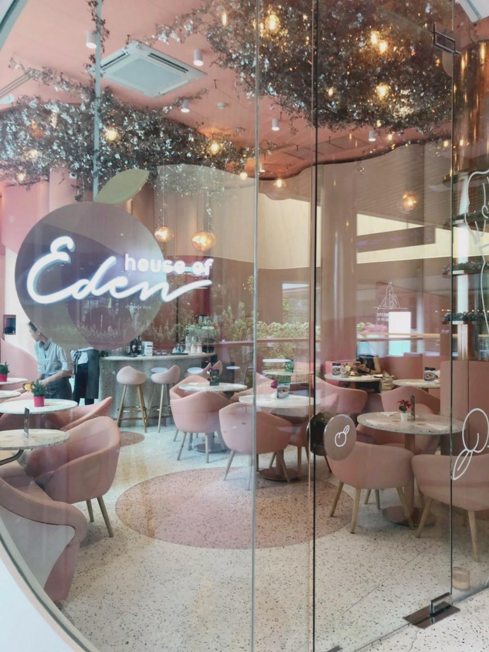 おとなピンクに染まるカフェ。タイ・バンコクのhouse of Eden(ハウスオブエデン)