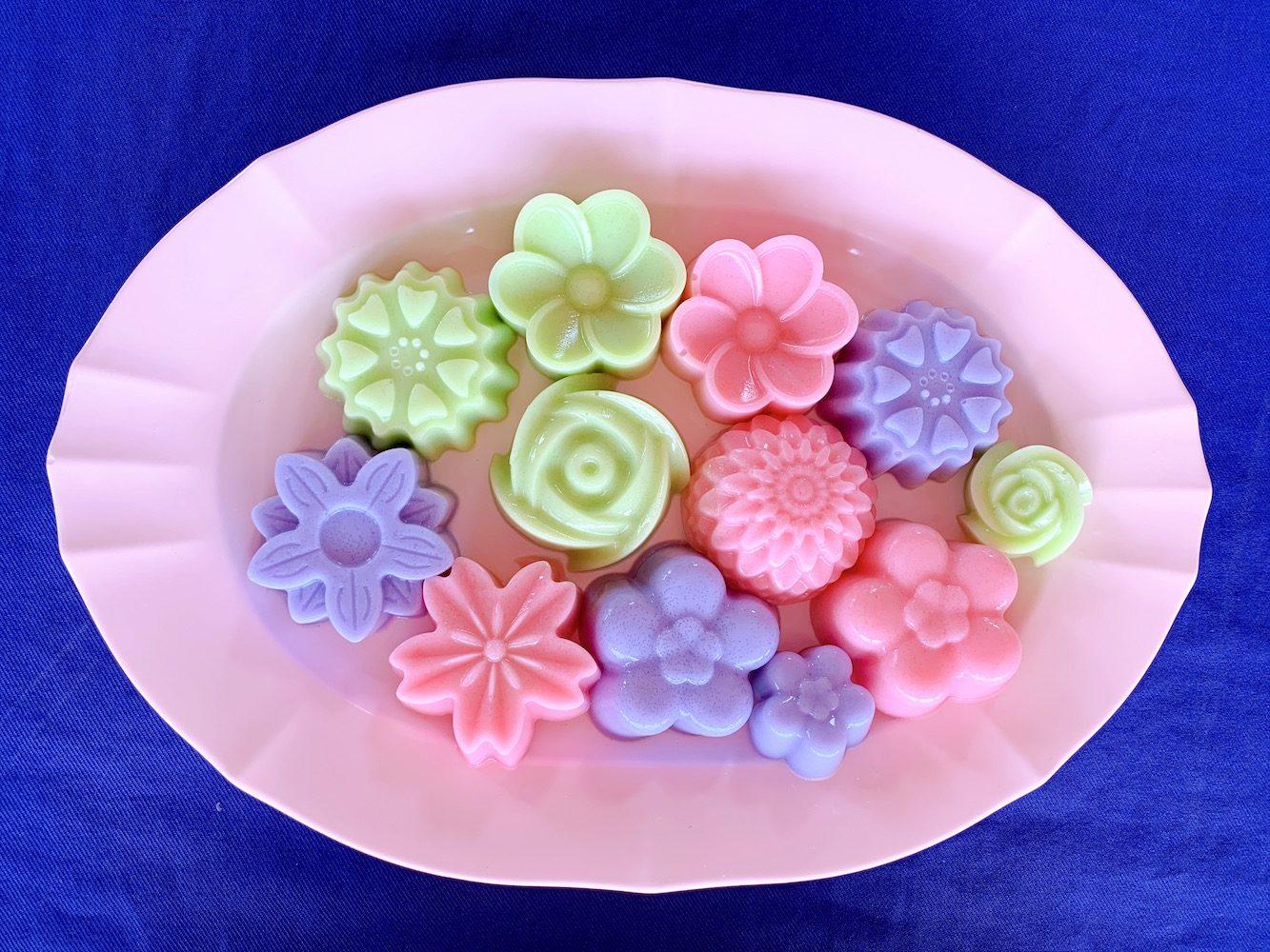 カラフルなタイのデザート カノム・チャン(ขนมชั้น)