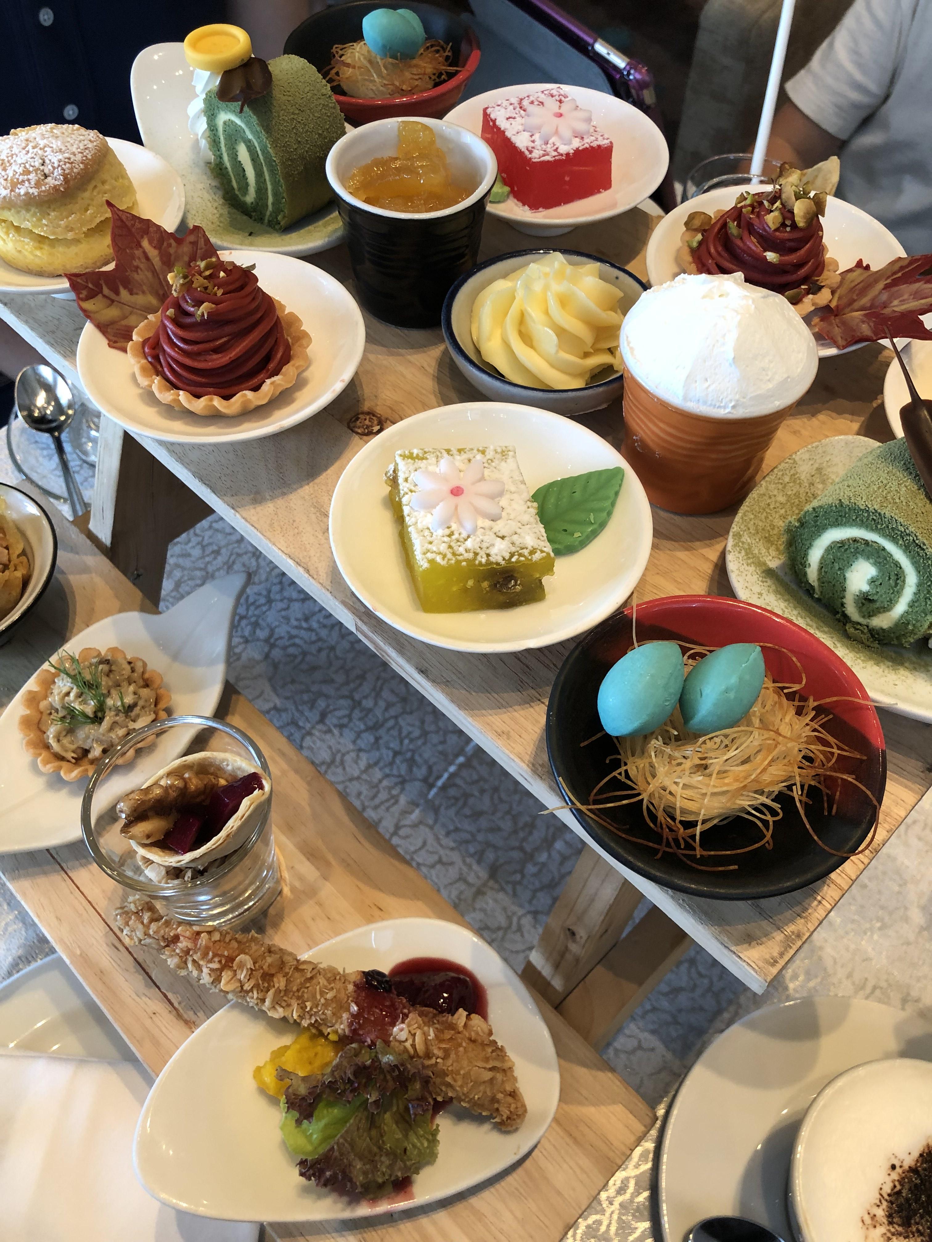 Autumn Flavors Tea Set 02